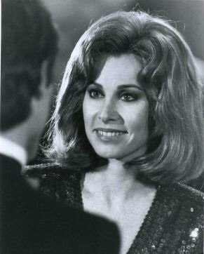 Hollywood Wives Stefanie Powers
